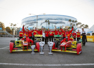 Mumm Champagne. Long Beach ePrix, Los Angeles, California, United States of America. Sunday 3 April 2016 Photo: Adam Warner /LAT/FE ref: Digital Image _L5R3537