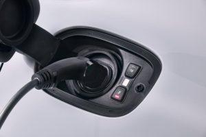 Il connettore di ricarica della Porsche Panamera 4 e-hybrid