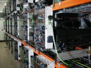 L'interno del sistema di accumulo, creato con le batterie utilizzate delle Smart ED