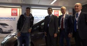 Alla presentazione dell'iniziativa erano presenti il calciatore Dzeko, Fulvio Fassone di Aeroporti di Roma, Bruno Mattucci, a.d. di Nissan Italia e Nicola Lanzetta, responsabile mercato italia di Enel