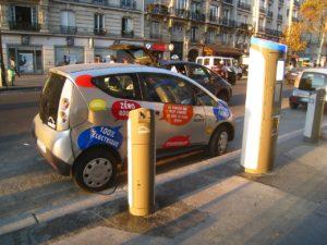 Un'autolib' alla stazione Diderto di Parigi