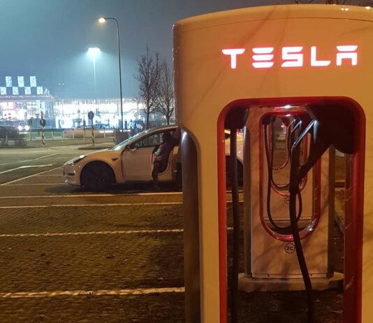 Tesla SUpercharger sviluppi