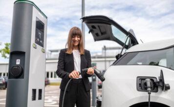 Rivoluzione Bosch per il cavo tipo 2: controllo integrato e cavo unico casa/colonnina a metà 2022